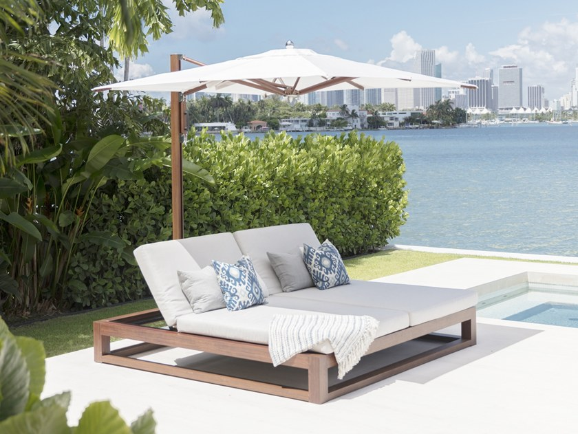 Gartenliege holz doppel  EQUINOX DOUBLE CHAISE LOUNGE Kollektion Cabanas & Lounges By TUUCI