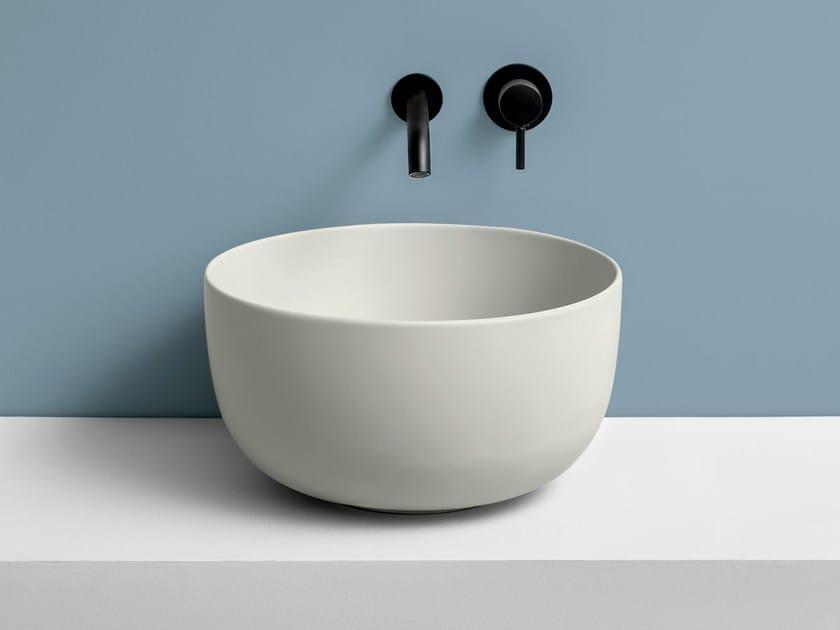 Countertop round ceramic washbasin ERA by Ceramica Cielo