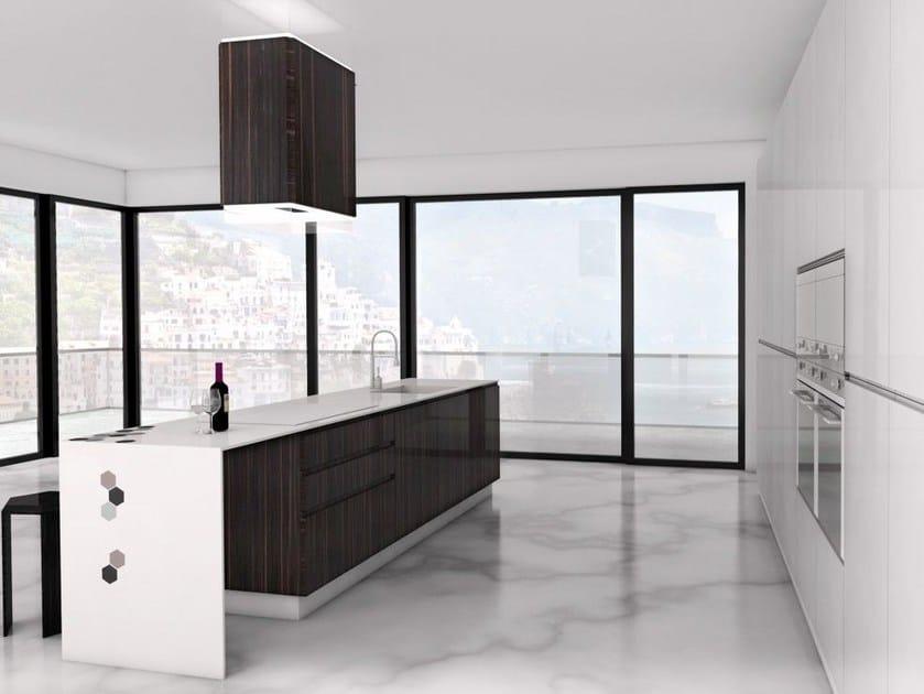 Corian® kitchen with island ESAGONO by HEBANON