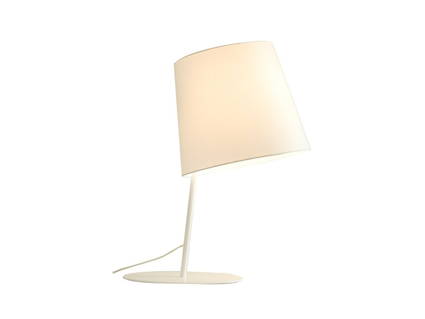 Table lamp EXCÉNTRICA M | Table lamp by fambuena