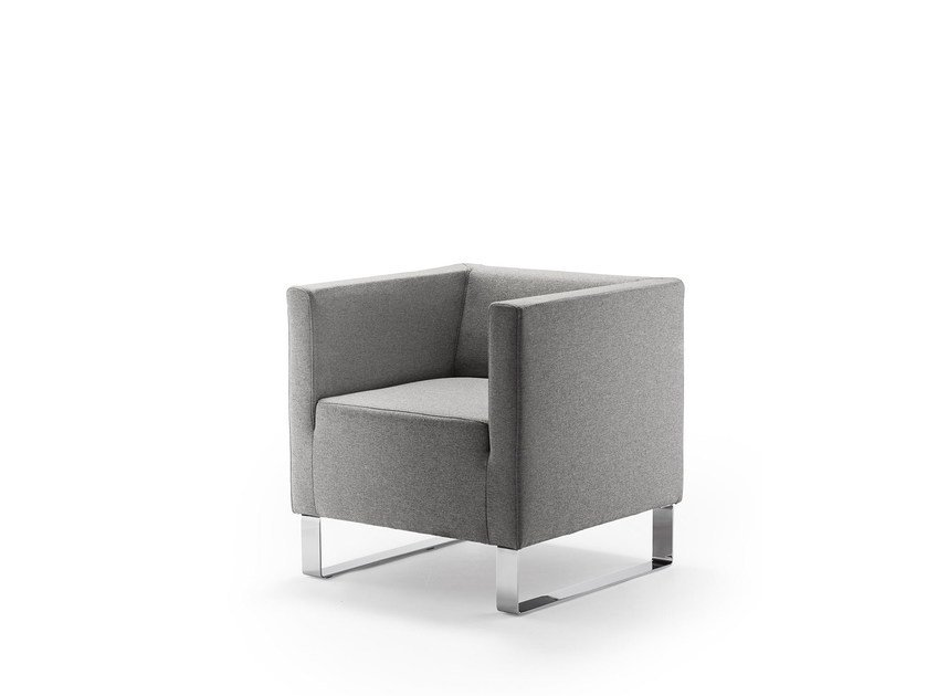 Sled base fabric easy chair with armrests ULTIMO | Fabric easy chair by rosconi