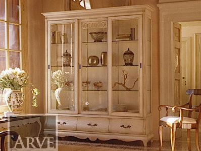 Solid wood display cabinet FENICE | Lacquered display cabinet by Arvestyle