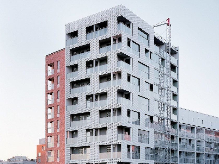 Outdoor fiber-reinforced concrete 3D Wall Cladding for facades fibreC 3D CAST by RIEDER