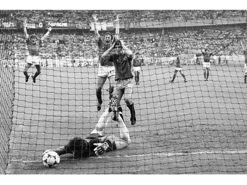 Stampa fotografica CAMPIONATO EUROPEO DELLE NAZIONI 1984 by Artphotolimited