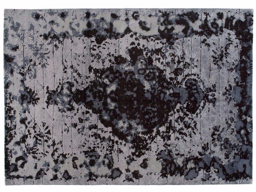Handmade rectangular rug FIRUZABAD DARK by Golran