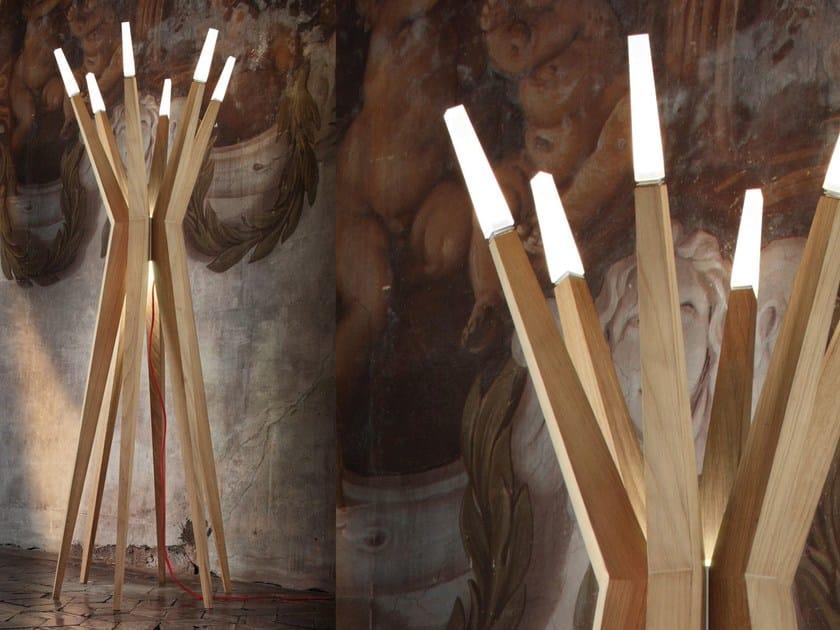 Lampada da terra a LED a luce diretta in rovere FLASHWOOD   Lampada da terra by Masiero