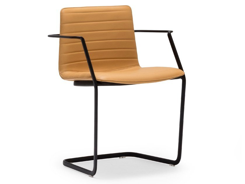 Cantilever leather chair with armrests FLEX CHAIR SO1360 by Andreu World