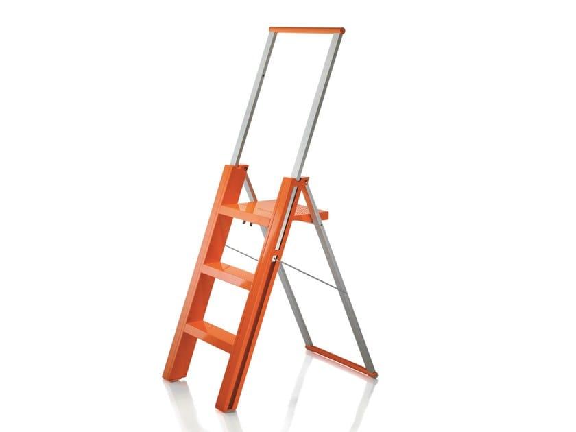 Folding ABS step stools FLÒ by Magis