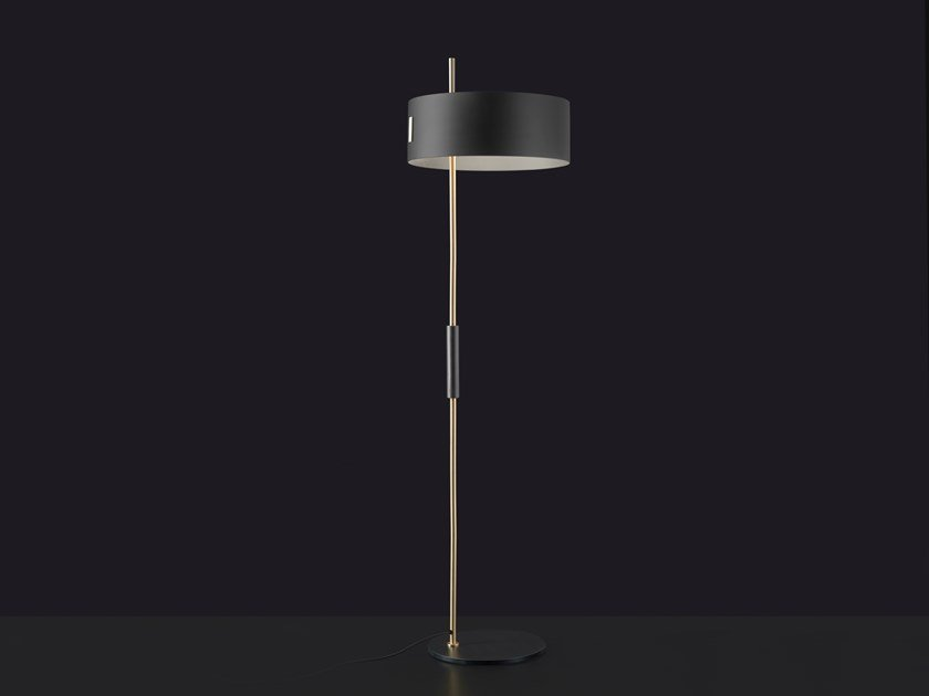 Metal floor lamp 1953 | Floor lamp by Oluce