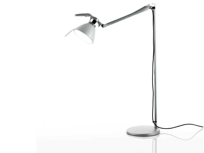 Lampadaire LED orientable en fer FORTEBRACCIO | Lampadaire by LUCEPLAN