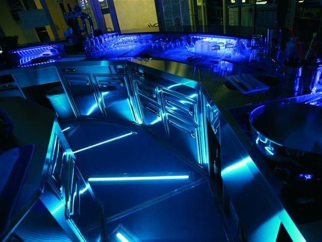 Barra profilo per illuminazione lineare a pavimento collezione