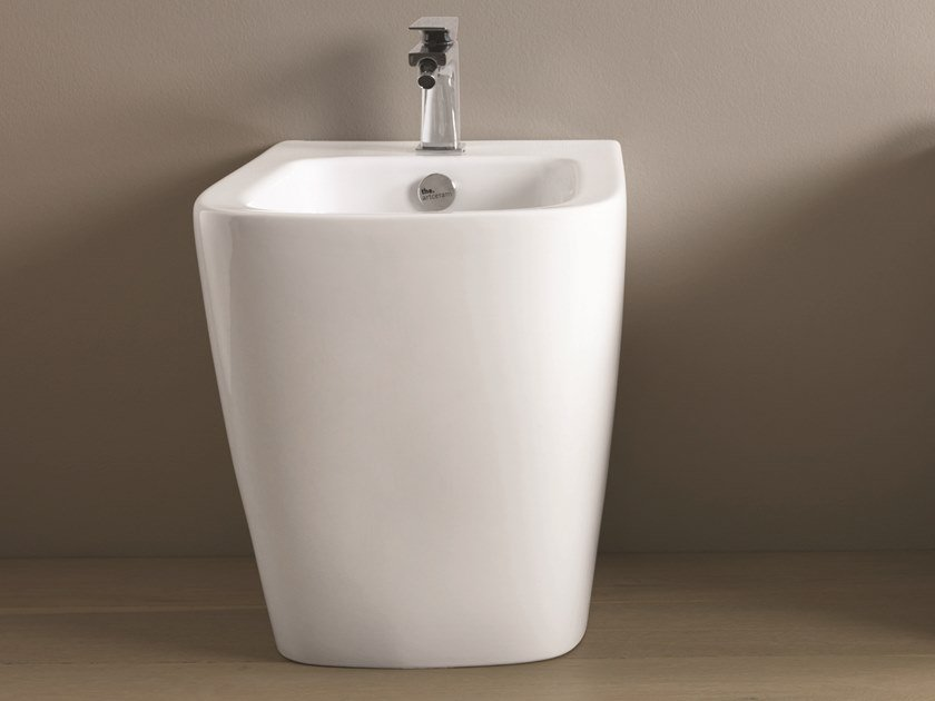 Floor mounted ceramic bidet A16 | Floor mounted bidet by Artceram