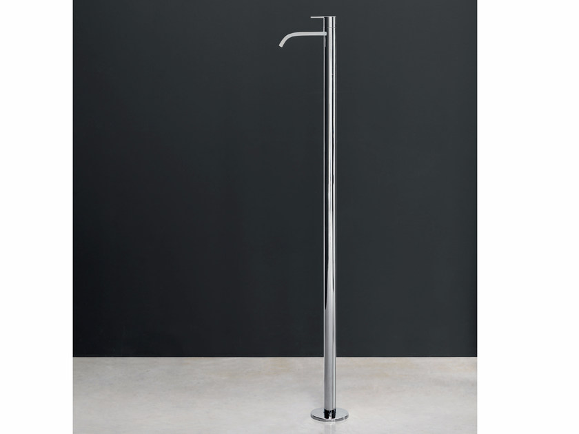 Floor standing single handle washbasin mixer SOLO | Floor standing washbasin mixer by Nic Design
