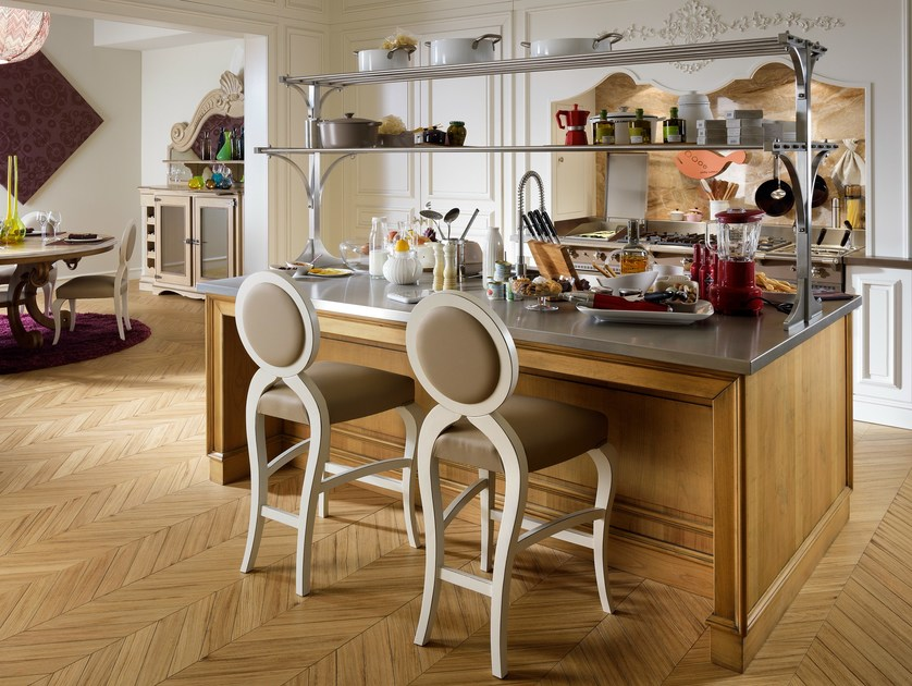 Cherry wood kitchen with island FLORAL | Kitchen with island by L'Ottocento