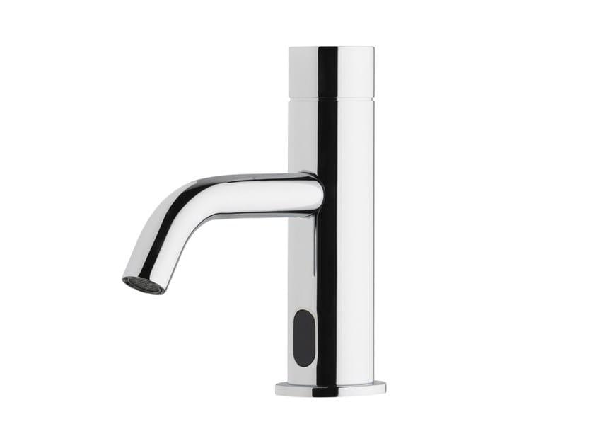 Chromed brass washbasin tap FLOW T1.10E | Washbasin tap by Water Evolution