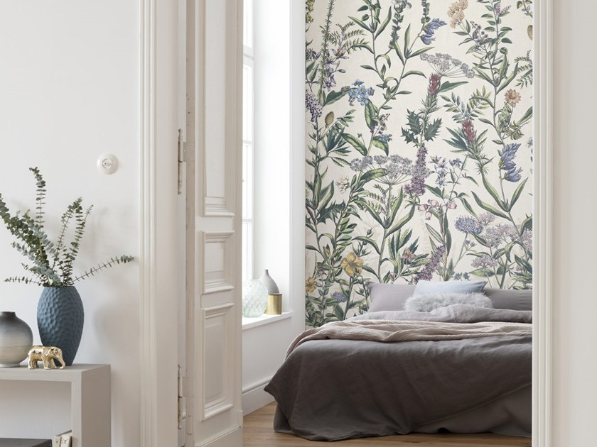 Nonwoven wallpaper with floral pattern FLOWERING HERBS by Komar