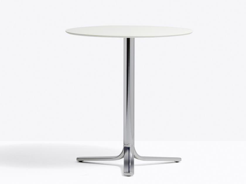Tavolo alto in alluminio con base a 3 razze FLUXO 5460 by Pedrali
