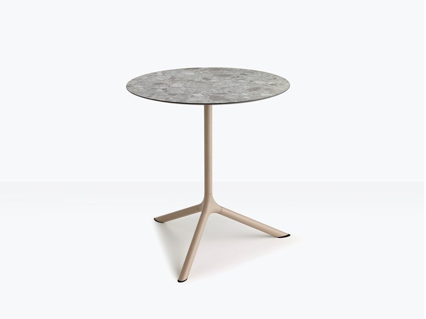 Folding steel table with 3-star base TRIPÉ | Round table by SCAB DESIGN