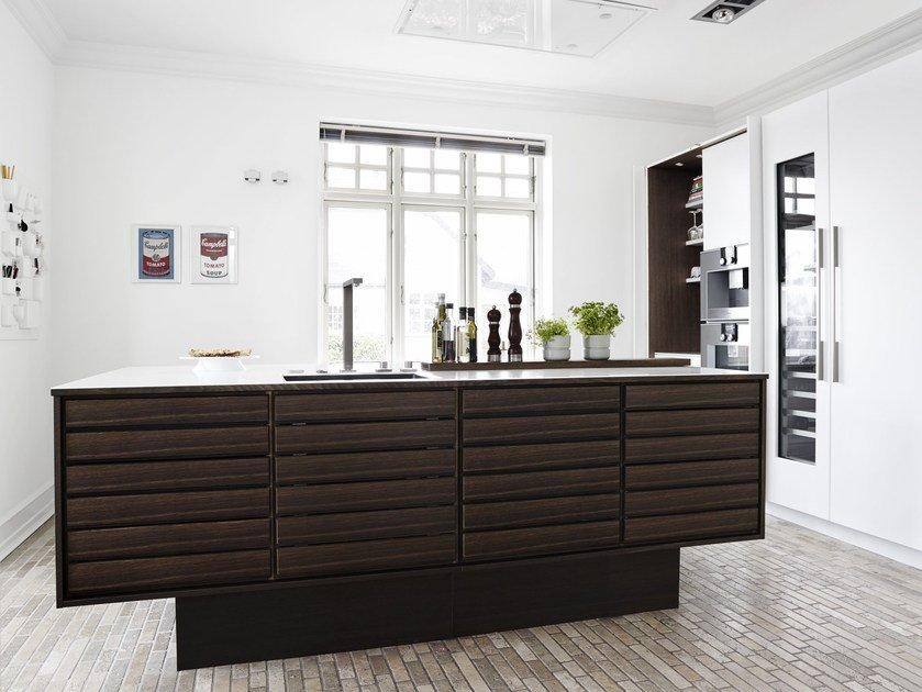 Solid wood kitchen with island FORM 1 - SMOKED OAK by Multiform