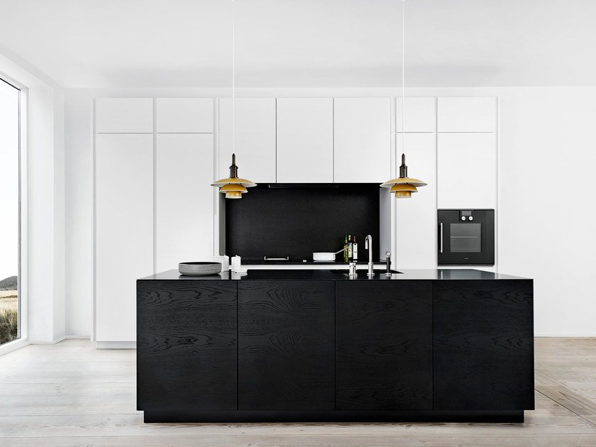 Solid wood kitchen with push to open doors FORM 45 - BLACK OAK by Multiform