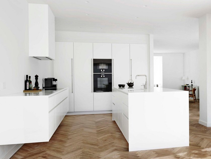 Solid wood kitchen with island FORM 6 + FORM 7 WHITE by Multiform