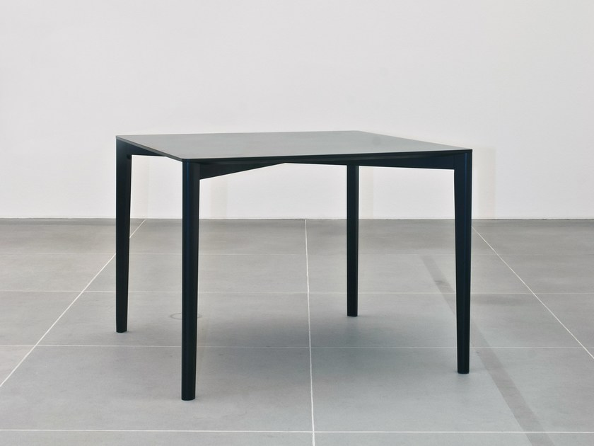 Square beech table FRAMEWORK | Square table by Cizeta L'Abbate