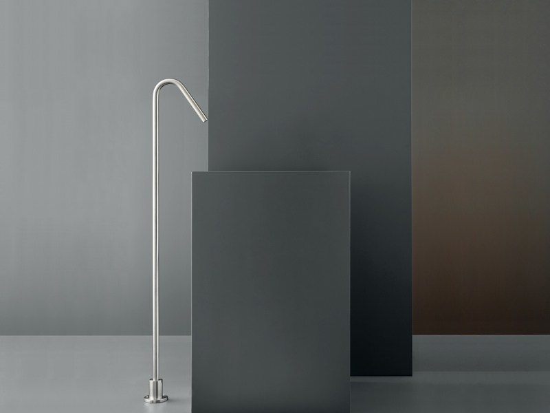 Free-standing spout for washbasin FRE 09 by Ceadesign