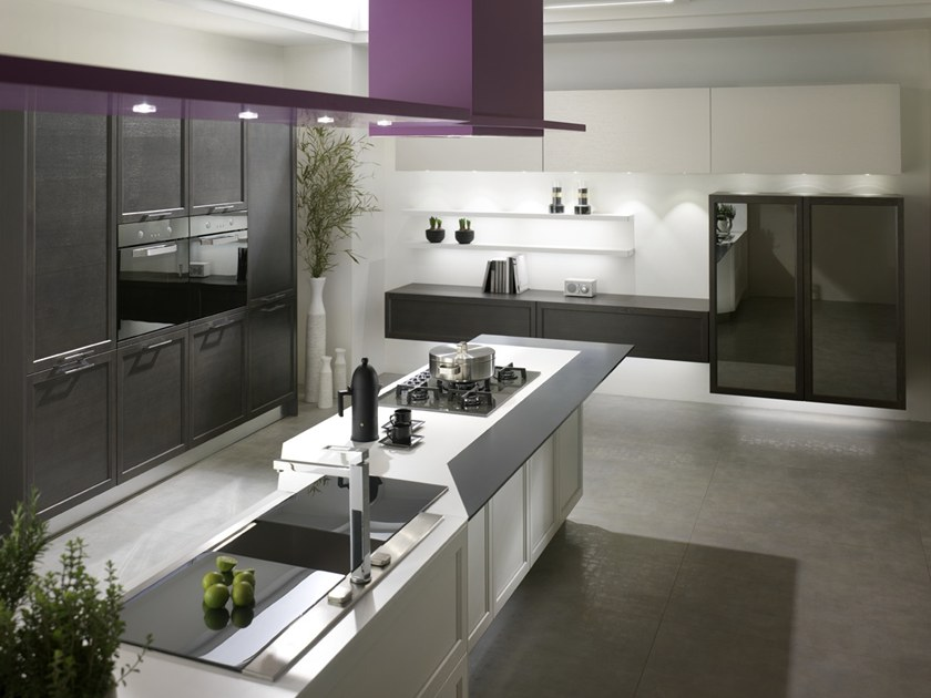 Laminam® fitted kitchen with island FREE | Kitchen with island by Floritelli Cucine