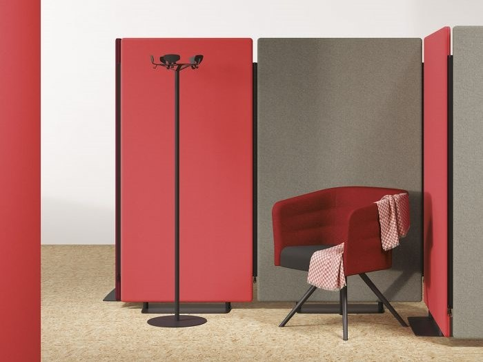 Free standing mobile workstation screen MADISON   Free standing workstation screen by Manade