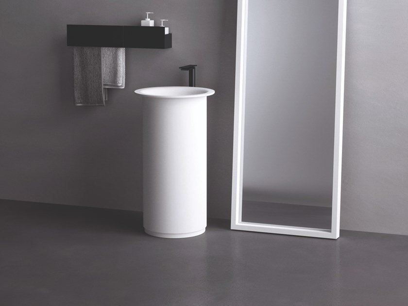 Freestanding round washbasin IN-OUT | Freestanding washbasin by Agape