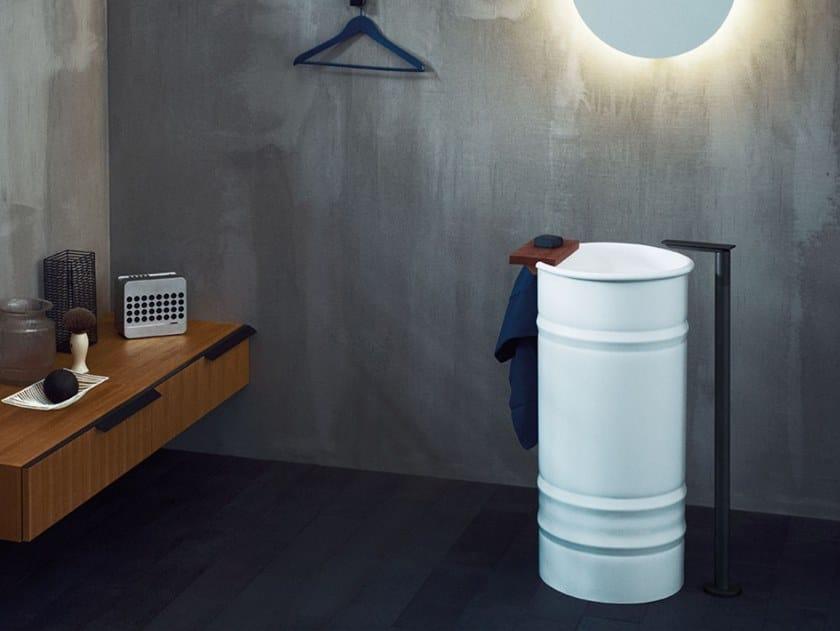 Freestanding round stainless steel washbasin VIEQUES | Freestanding washbasin by Agape