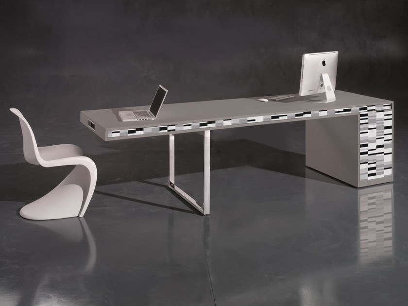 Executive Desk With Cable Management FRIDAY LONG | Office Desk By NEWTOM By  Ultom