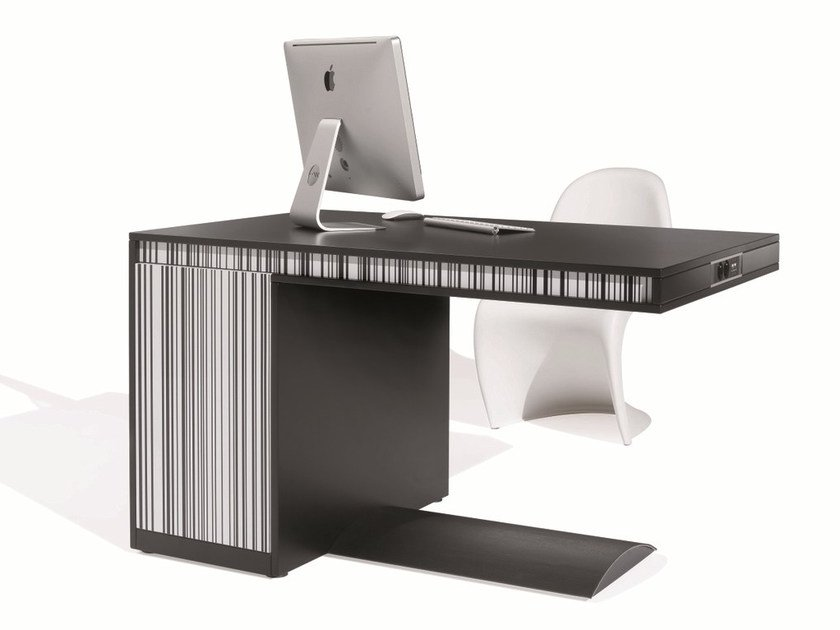Workstation desk with cable management FRIDAY SHORT | Office desk by NEWTOM by Ultom
