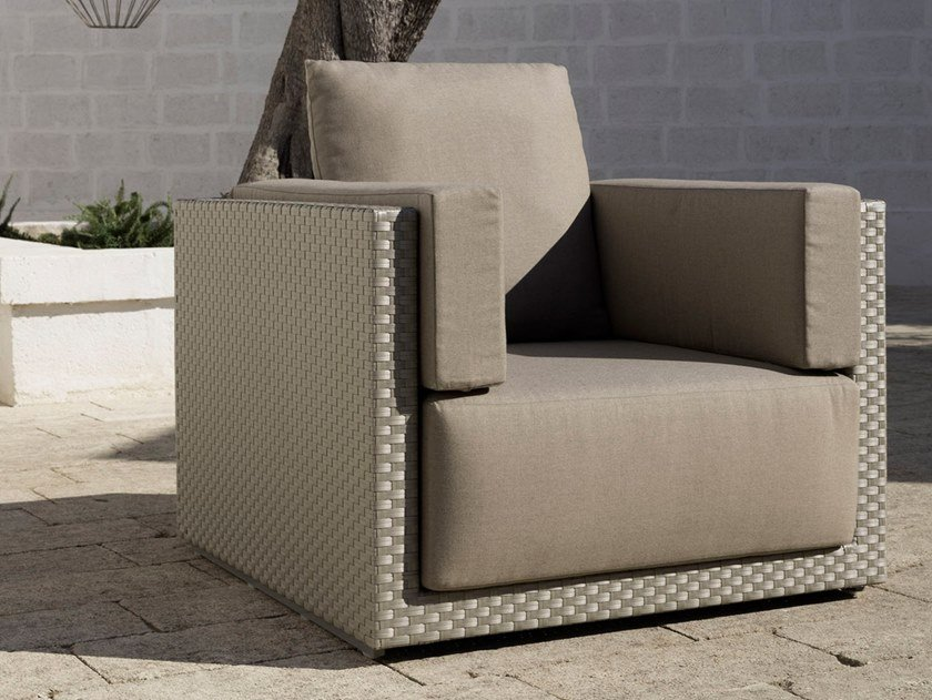 Polyethylene fibre garden armchair with armrests ZOE | Garden armchair by Braid