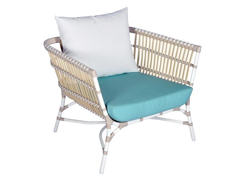 Synthetic fibre garden armchair with armrests YOKO | Garden armchair by cbdesign