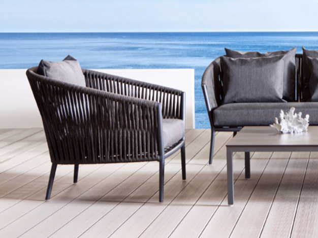 Fabric garden armchair with armrests LOUISE | Garden armchair by Déco