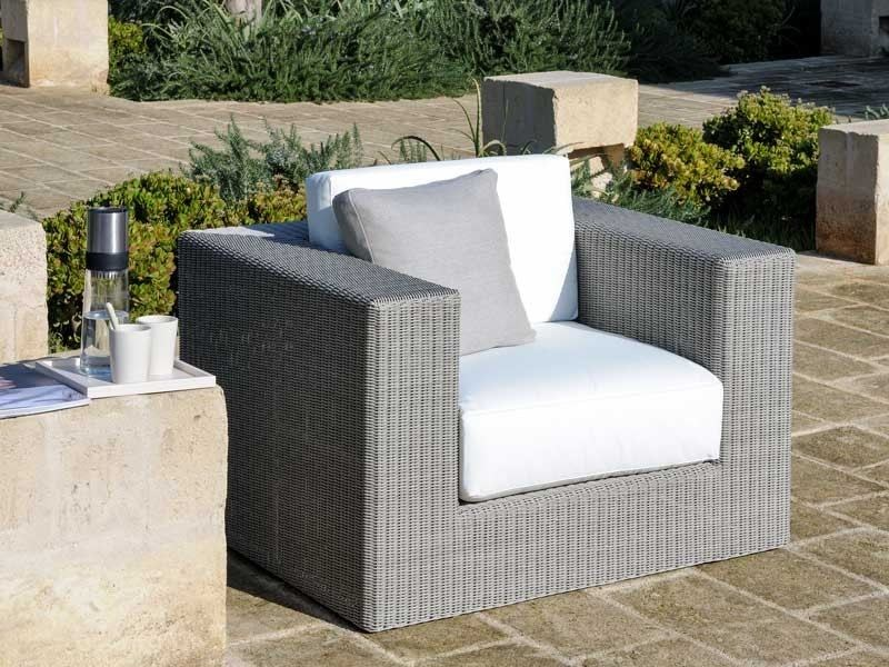 Garden armchair with armrests SUNSTRIPE | Garden armchair by Unopiù