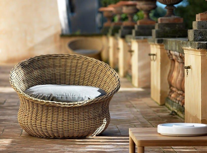 Synthetic fibre garden armchair MAMY | Garden armchair by Unopiù