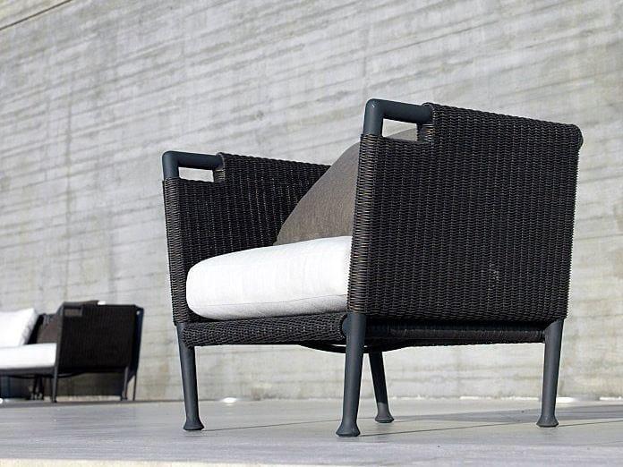 Garden armchair with armrests LAWRENCE | Garden armchair by Unopiù