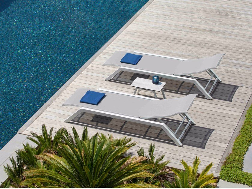 Stackable aluminium and PVC garden daybed AMAKA | Garden daybed by Les jardins