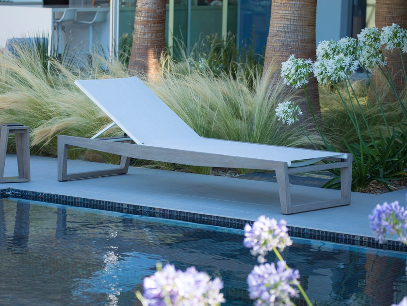 Batyline® garden daybed with Casters SKALEN | Garden daybed by Les jardins
