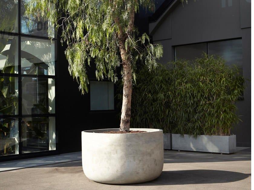 Vaso da giardino in cemento GARGANTUA by Antonio Lupi Design