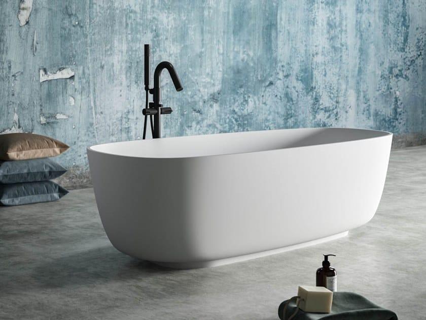 Vasca da bagno centro stanza ovale in Ksolid GATSBY by Karol