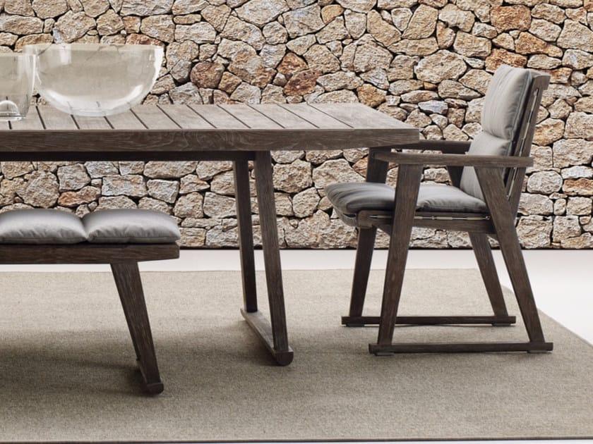 Sedia da giardino imbottita con braccioli GIO | Sedia da giardino by B&B Italia Outdoor