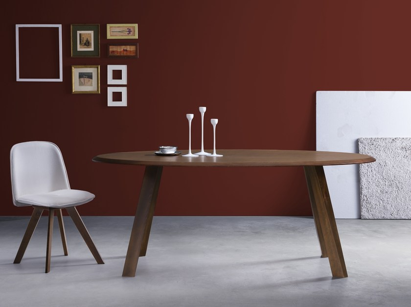Oval wooden table GLAM 4 by Natisa