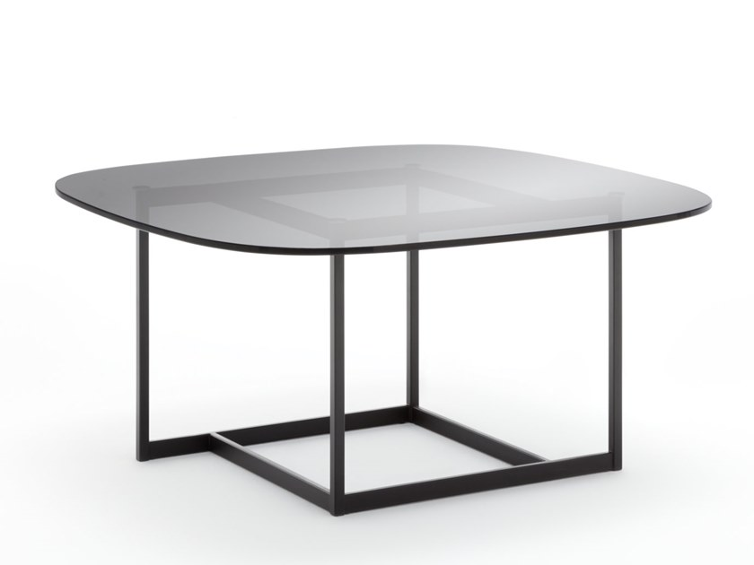 Square glass coffee table ROLF BENZ 932   Glass coffee table by Rolf Benz