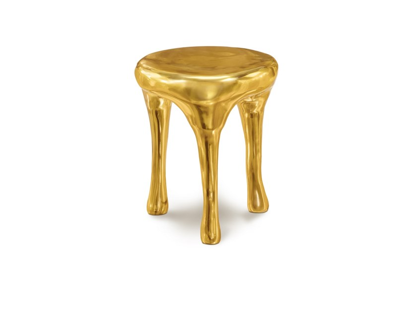 Round brass coffee table GLEE by Scarlet Splendour