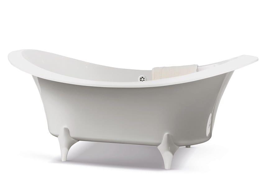 Freestanding oval bathtub on legs GRANDE DAME by Gruppo Treesse