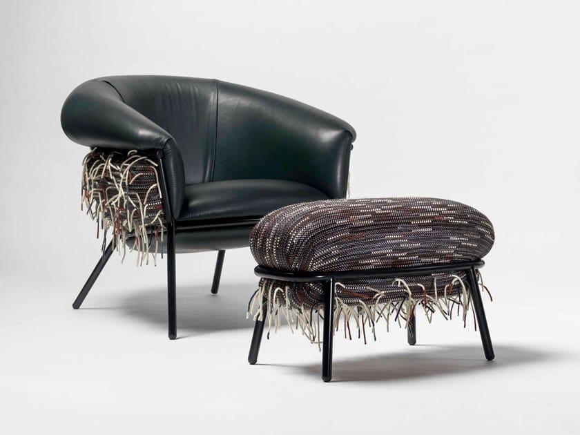Poltrona imbottita in stile moderno con braccioli GRASSO | Poltrona in tessuto by BD Barcelona Design