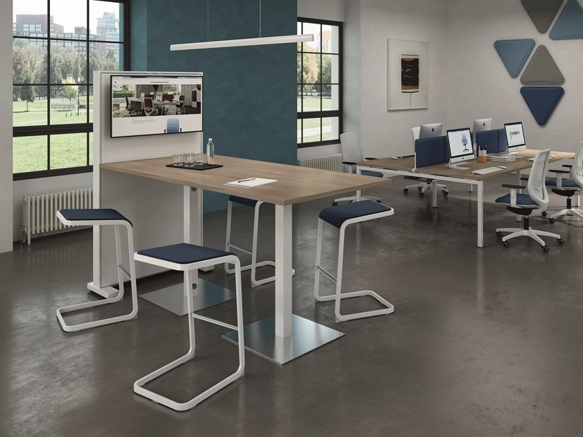 Multimedia rectangular meeting table GREKO | Multimedia meeting table by Quadrifoglio